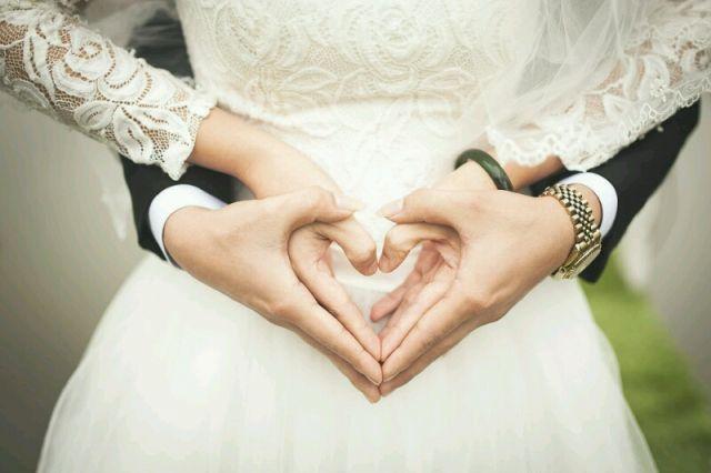 Чаще всего представительницы прекрасного пола выходят замуж в возрасте 25-34 года (45%).
