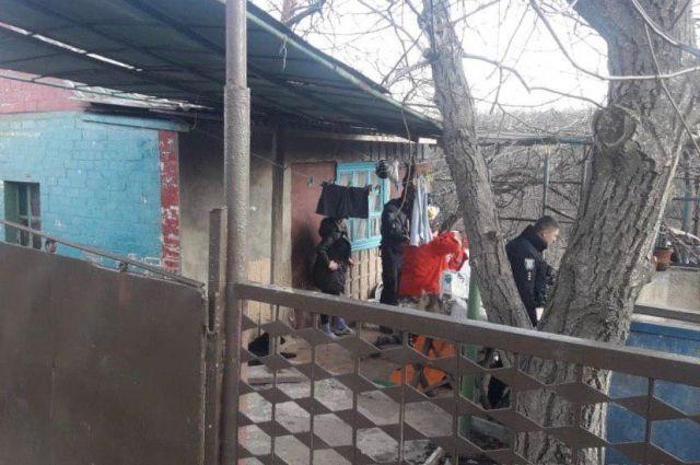 В Днепре домашний тиран избил жену и бросался с ножом на полицейских