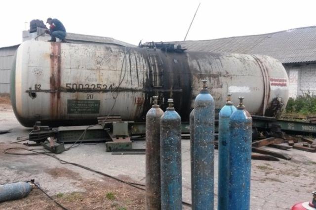 Металлическая емкость привлекла внимание вора в Хабаровске.