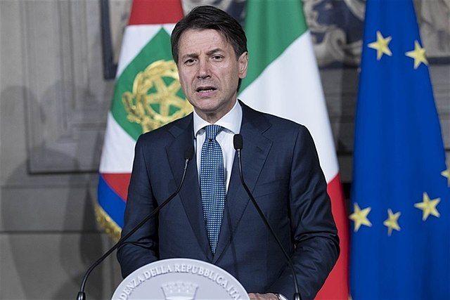 Премьер Италии: Рим работает над отменой санкций против РФ