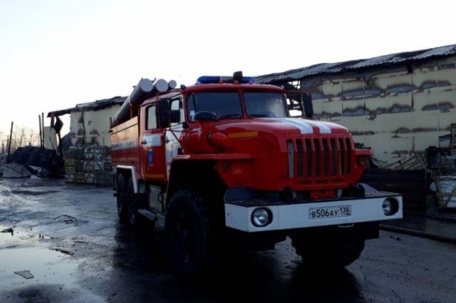 В тушении пожара были задействованы 41 человек и 11 единиц техники.