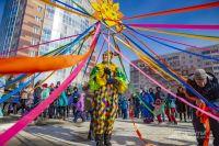 Жители ЖК «Крымский» не смогли усидеть дома в такой солнечный и радостный день.