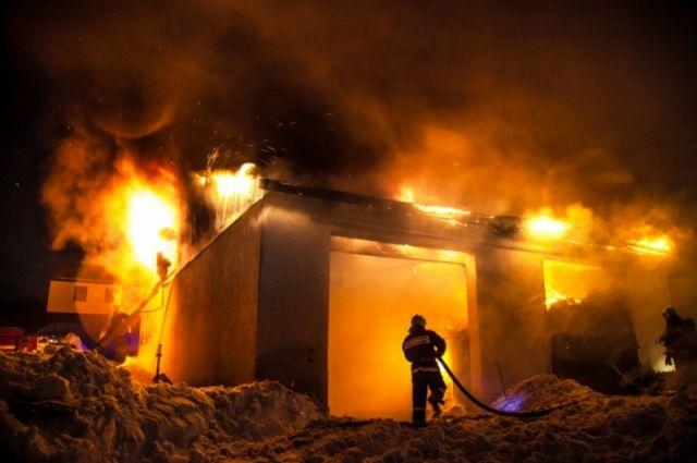 Следственный комитет заинтересовался пожаром на Комсомольском НПЗ.