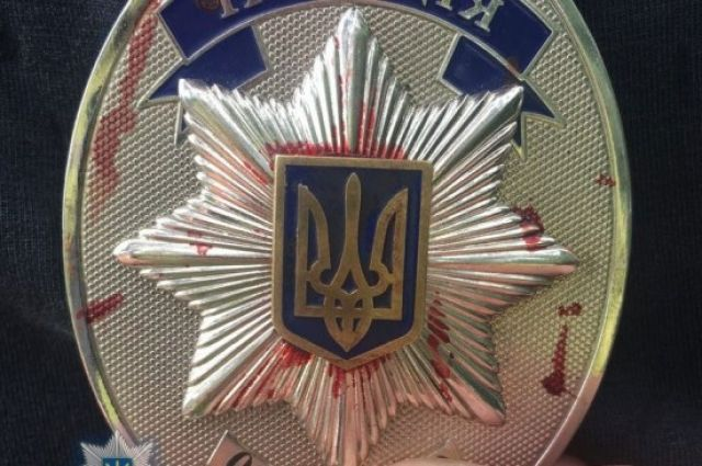 Пассажир автомобиля в Винницкой области с литовской регистрацией стрелял в правоохранителей, после того как те обнаружили в водителя авто патроны.