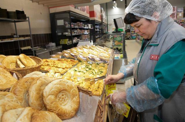Больше 1 млрд хлебобулочных изделий собственного производства выпустили в сети гипермаркетов.