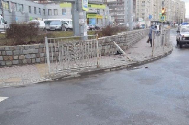 В Калининграде пьяный водитель сбил пешехода на тротуаре