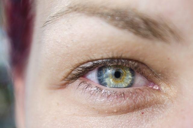 Какие компрессы помогут при отёках под глазами?