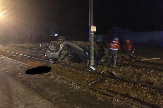 Один человек погиб в ДТП при столкновении с фонарем в Хабаровске