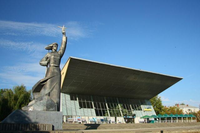 """Кинотеатр """"Аврора"""" - архитектурный символ Краснодара."""