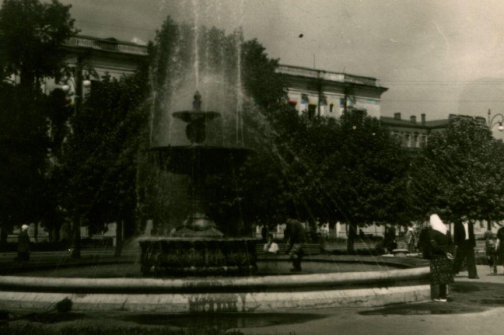 В Воронеже 50-х было гораздо больше зелени.