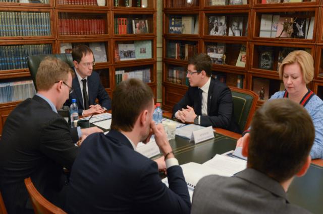 Губернатор Ямала доложил Владимиру Мединскому о культурных проектах округа