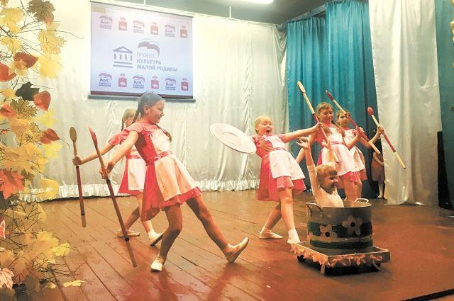 В малых городах стали чаще проходить концерты местных коллективов.