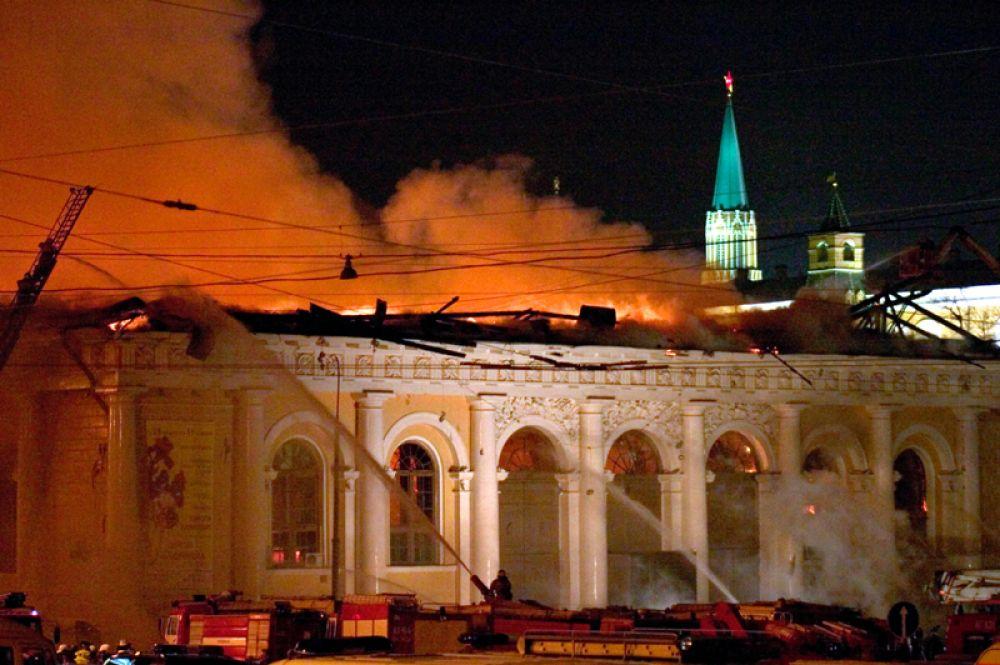 Тушением пожара руководил лично глава МЧС Сергей Шойгу.