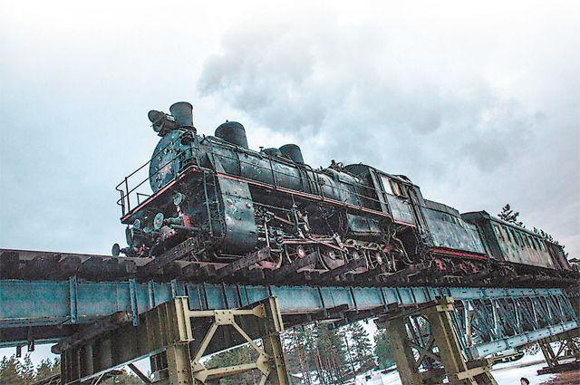 Для съёмок фильма были выстроены масштабные декорации на Ильмень-озере.