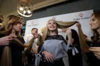 Жительница Киева 15-лтеняя Елена Корзенюк стала рекордсменкой Украины по длине волос.