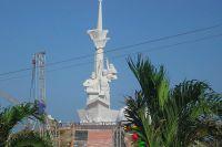 Во Вьетнаме бережно относятся к своей истории. В 2009 г. в Камрани открыли Мемориальный комплекс советским, российским и вьетнамским воинам, погибшим за мир во Вьетнаме.