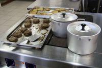 Без еды студентов не оставят.