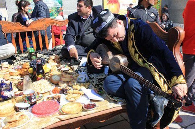 Гостям праздника представят на пробу множество национальных блюд.
