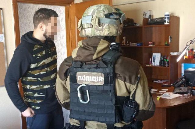 В Киеве разоблачили два кол-центра с экстрасенсами-мошенниками