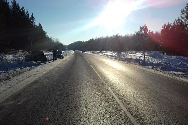 Возле ж/д переезда в Богандинском отремонтировали дорогу