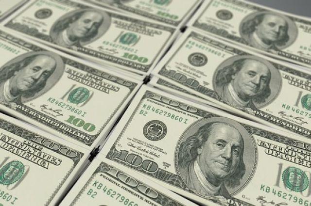 Доллар и евро продолжают дорожать.