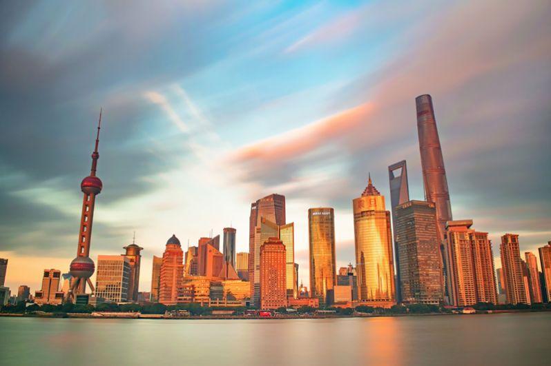Шанхай. Здесь живет 45 милиардеров, на 5 меньше по сравнению с прошлым годом. Их общее состояние оценивается в 110,7 млрд долларов. Самым богатым является создатель сервисов электронной коммерции Колин Хуан.