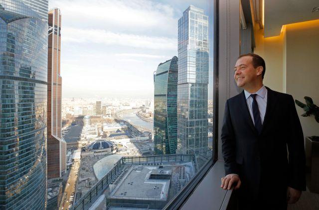Медведев осмотрел новый правительственный комплекс в «Москва-Сити»