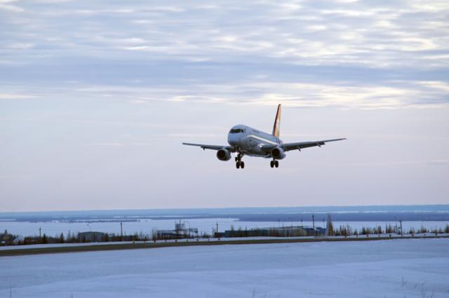 В Тюмени экстренно сел самолет