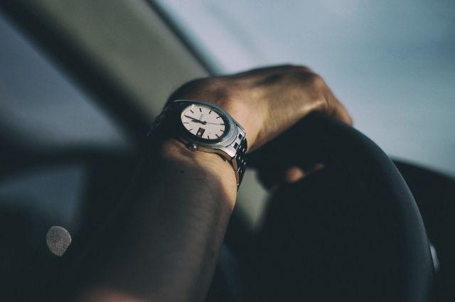 Грабитель лишил хабаровчанина часов за 100 тысяч рублей.