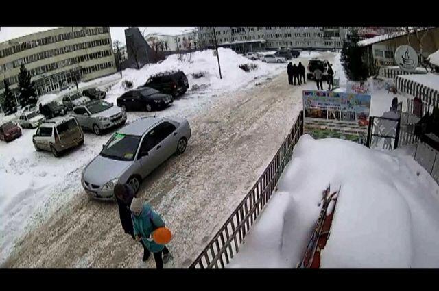 В Бузулуке в кафе украли 32-килограммовую гирю для акций