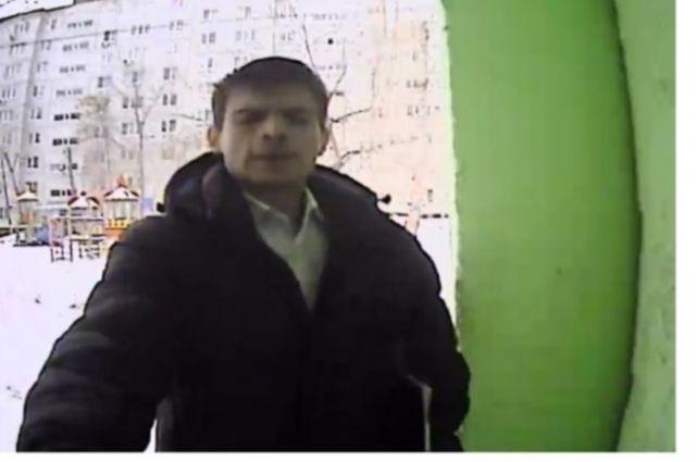 В Оренбурге разыскивают подъездный вандал