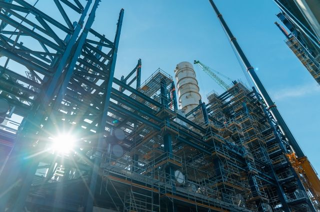 ВДжизаке остановлено строительство нефтеперерабатывающего завода