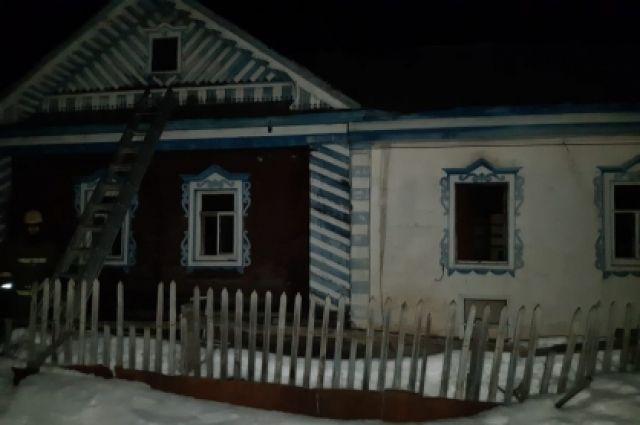 После тушения пожара в доме найдены тела двух мужчин.