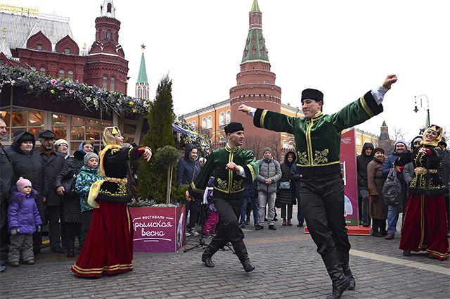 Участники фестиваля «Крымская весна» в Москве.