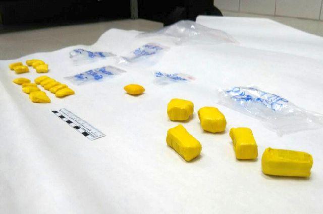 Десять лет тюрьмы грозит комсомольчанину за хранение гашишного масла.