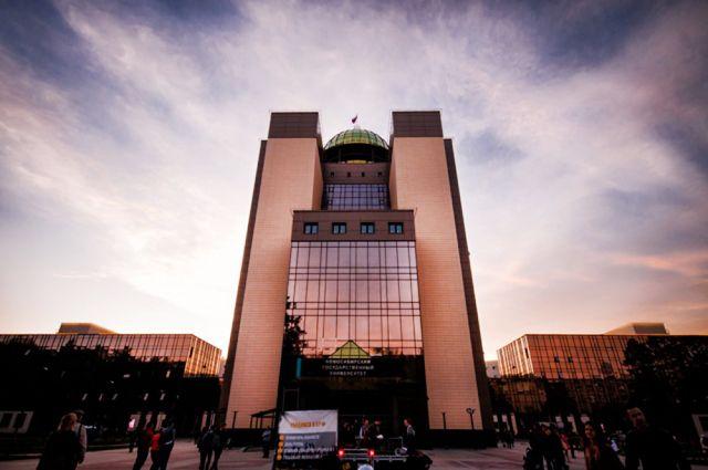 Экс-проректора НГУ признали виновным в халатности и потере 22 миллионов рублей.