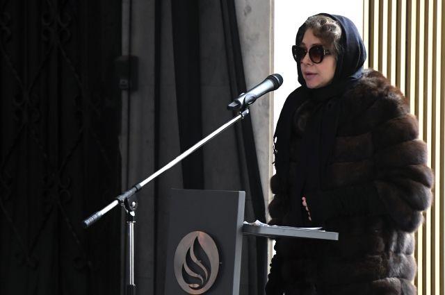 Вдова Малашенко Божена Рынска на церемонии прощания.