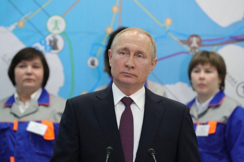 Владимир Путин на церемонии ввода в эксплуатацию Балаклавской ТЭС, а также Таврической ТЭС и подстанции «Порт» в Тамани.