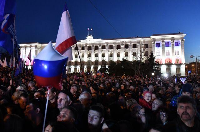 Праздничные мероприятия в Крыму посетили около 30 тысяч человек