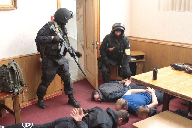 Правоохранительные органы провели обыски в правительстве Хабаровского края.