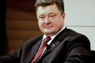Порошенко предложил повысить зарплату военнослужащим