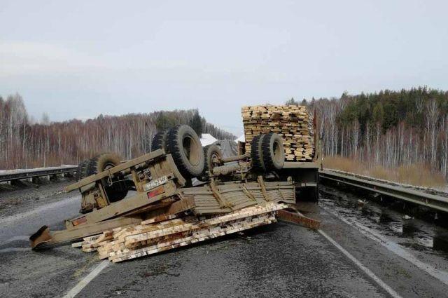 Четыре человека получили травмы в ДТП в Завьяловском районе.