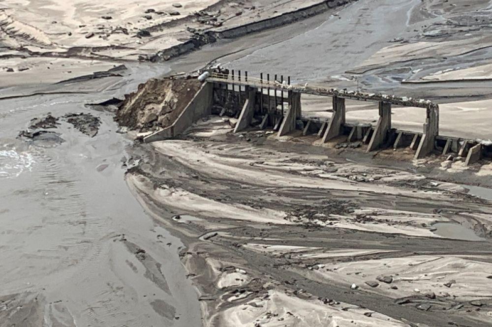 Разрушенная плотина в штате Небраска.