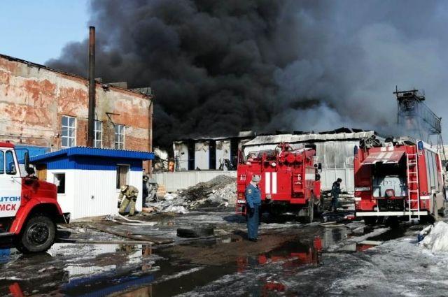 В Омске не нашли превышений ПДК после пожара на заводе