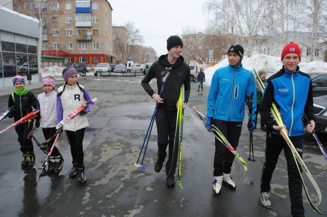 Лыжными гонками можно заниматься в любое время года, были бы условия.