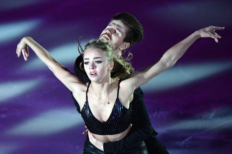 Танцы на льду: Александра Степанова – Иван Букин,