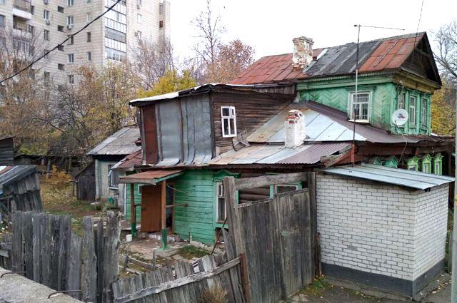 В Салехарде люди просят администрацию снести их дом