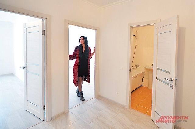 Была квартира старая двухкомнатная, а теперь новая трёхкомнатная, ведь при переезде лишние метры можно докупить.