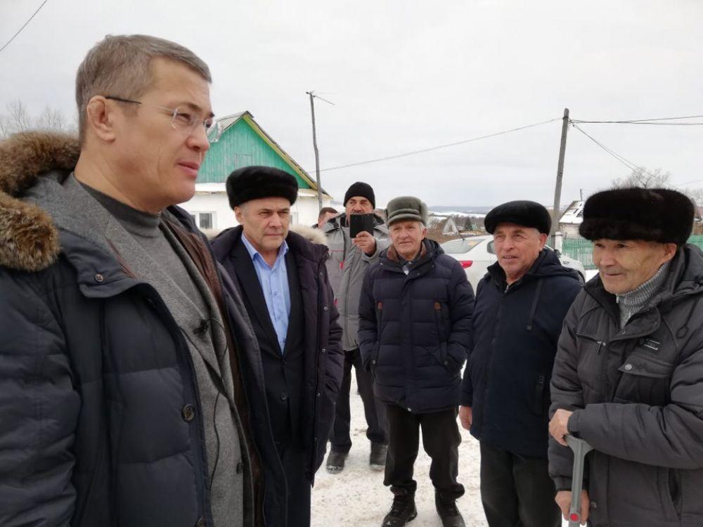 В родной деревне Сайраново Ишимбайского района на встрече с жителями.