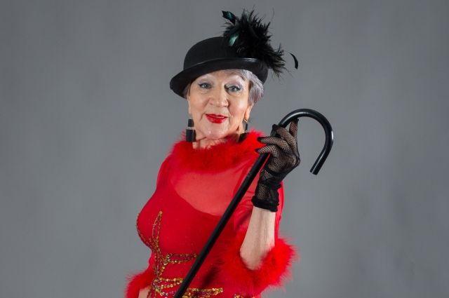В школе моделей пенсионеров учат хорошо выглядеть.